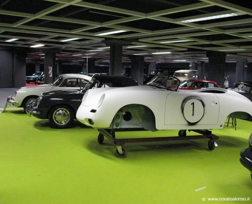 Fiera auto d'epoca a Vicenza stand Corato con Porsche N1 in lavorazione