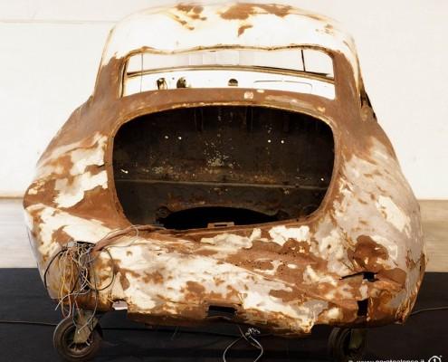 fiera Auto e Moto d'Epoca di Padova Stand di Corato Alonso con rottame Porsche 356