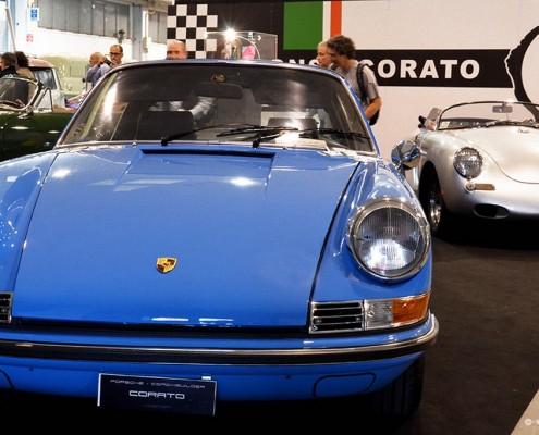 fiera Auto e Moto d'Epoca di Padova Stand di Corato Alonso con Porsche 911 lightblue
