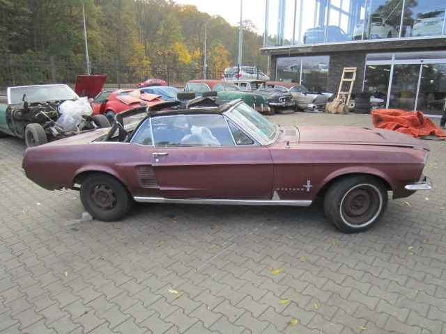 1967 ford mustang convertible V8
