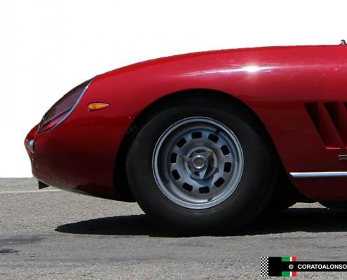 restauro Ferrari 275 GTB rosso presso la Carrozzeria Corato Alonso di Vicenza