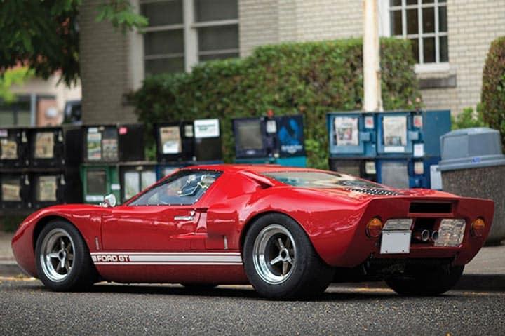 All'asta di Monterey una prima serie di Ford GT40