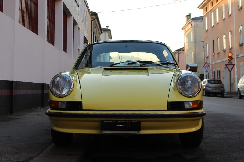 1973 Porsche 911 2.4 E targa light yellow