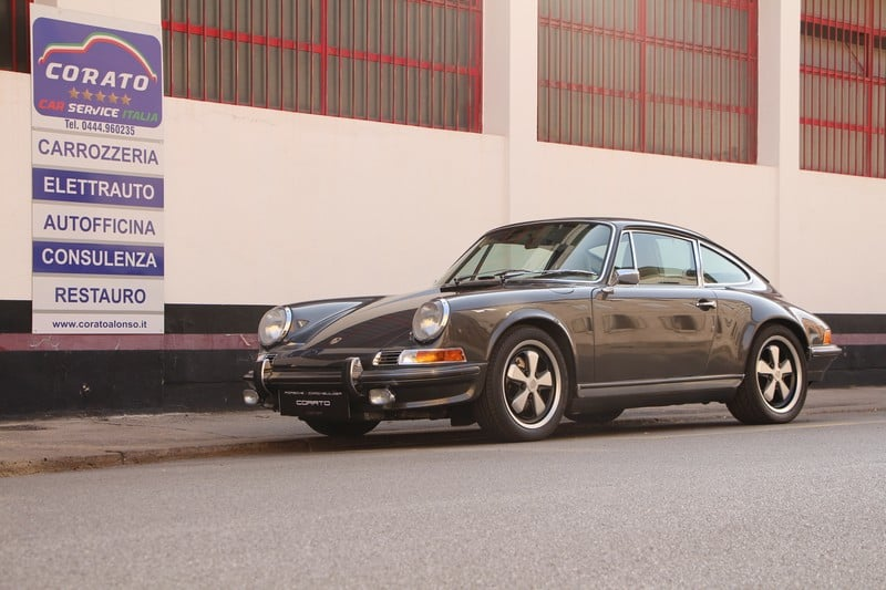 1990-Porsche-Restomod-Backdate-911-964-36-Carrera-4-slated-grey-corato-alonso-authentic-porsche-restoration