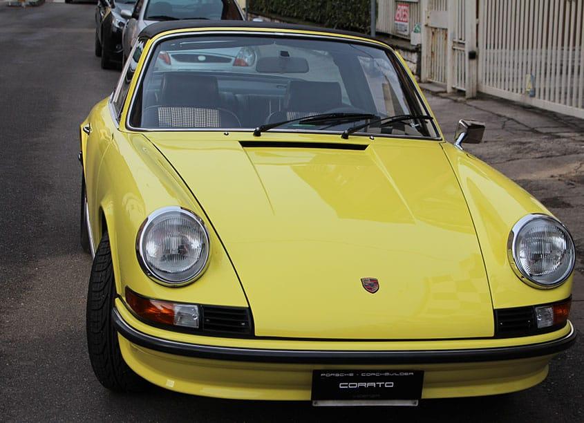 Porsche 911 2.4 1973 light yellow