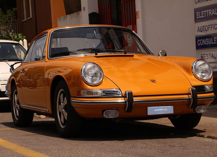 Porsche 911 2.0 T coupè 1967 giallo
