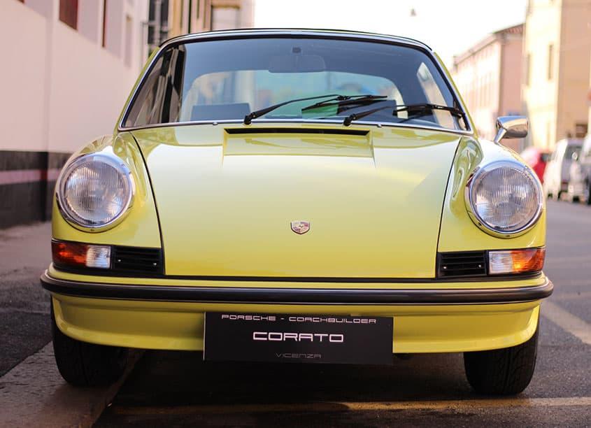 Porsche 911 2.4 1972 light yellow