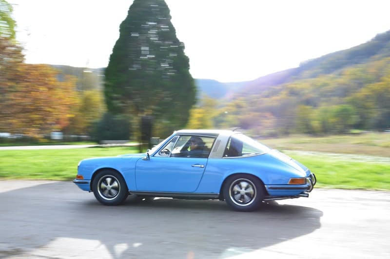1970-Porsche-911-2-2-S-targa-pastel-blue-corato-alonso-authentic-porsche-restauration