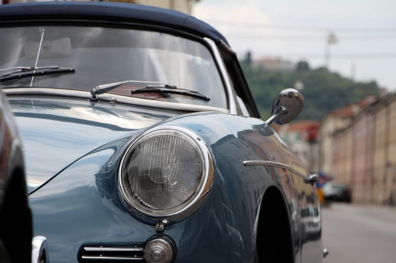 1959-Porsche-356-B-roadster-aetna-blue