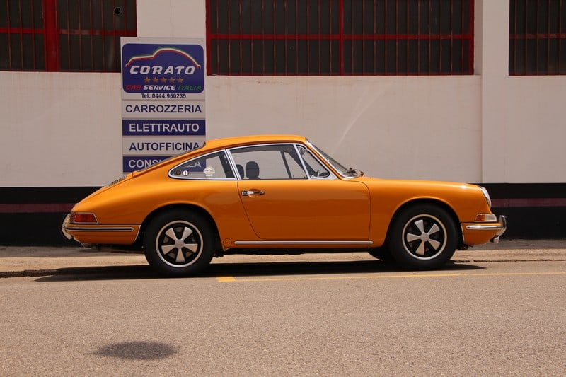1967-porsche-911-2-0-t-coupe-bahama-yellow-corato-alonso-authentic-porsche-restoration