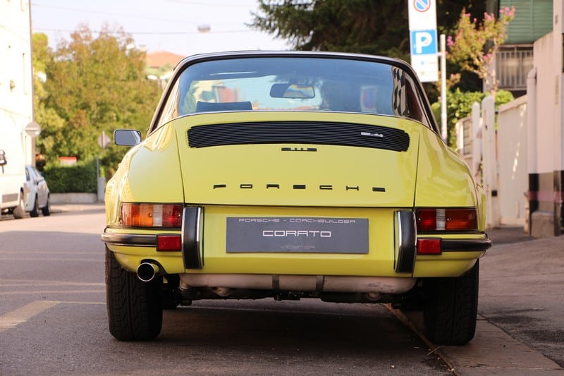 1972-porsche-911-2-4-e-targa-light-yellow-corato-alonso-authentic-porsche-restoration