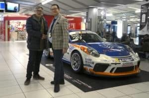 All'aeroporto di Verona fa capolino una Porsche 911 GT3