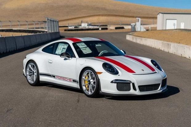 fondatore-Whatsapp-Jan-Koum-vende-10-Porsche-della-sua-collezione