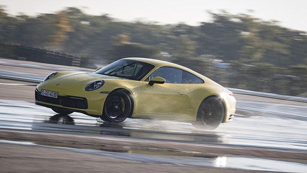 Porsche Wet Mode: la nuova 911 più veloce e sicura