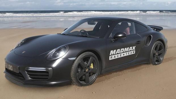 Record di velocità su sabbia con una Porsche 911 Turbo S?