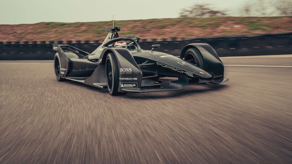 Primo test assoluto per la Porsche che correrà il campionato di Formula E